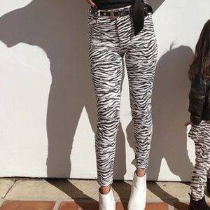 Pants - Iike new skinny pant